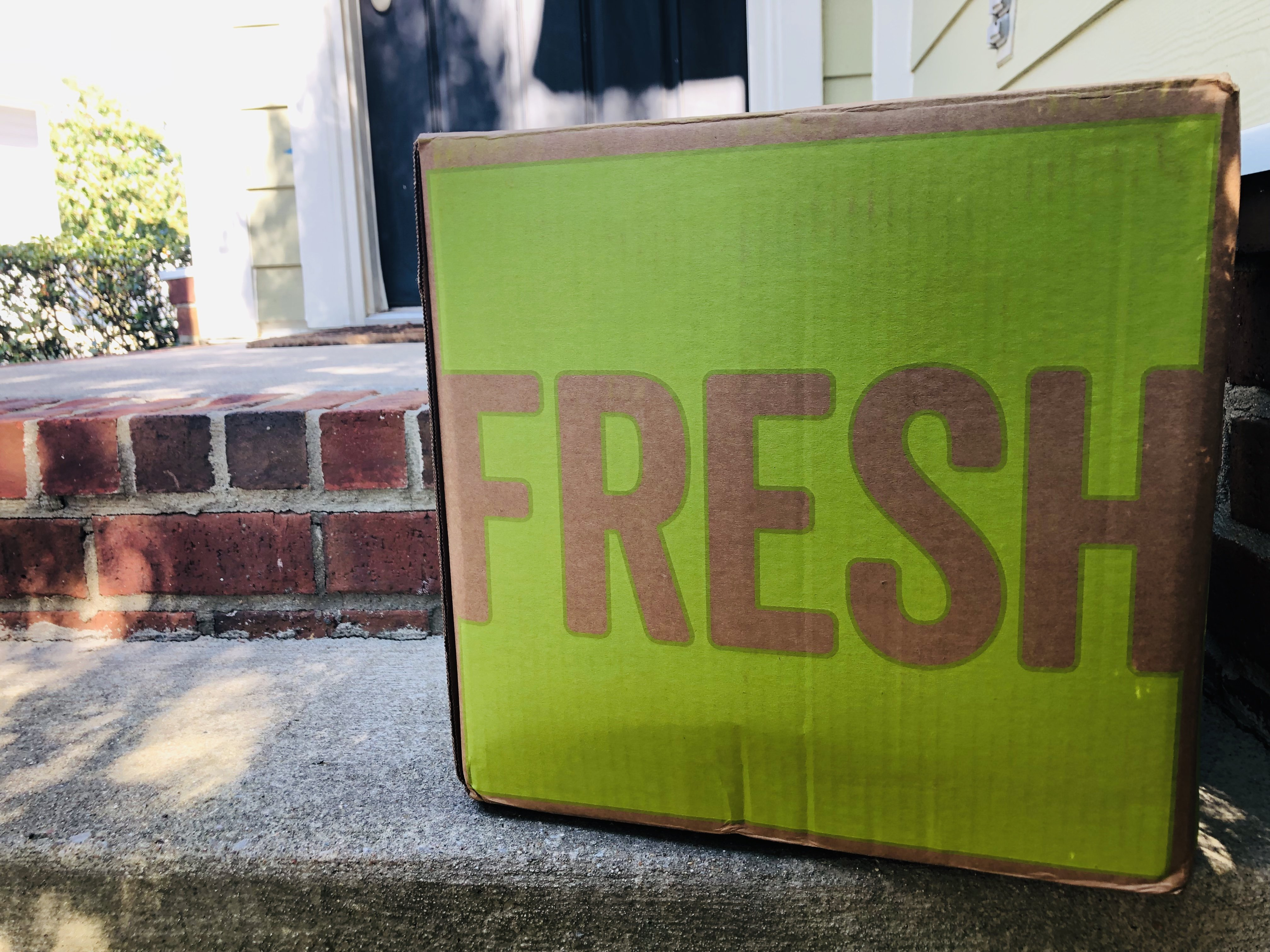 HelloFresh Review box on doorstep